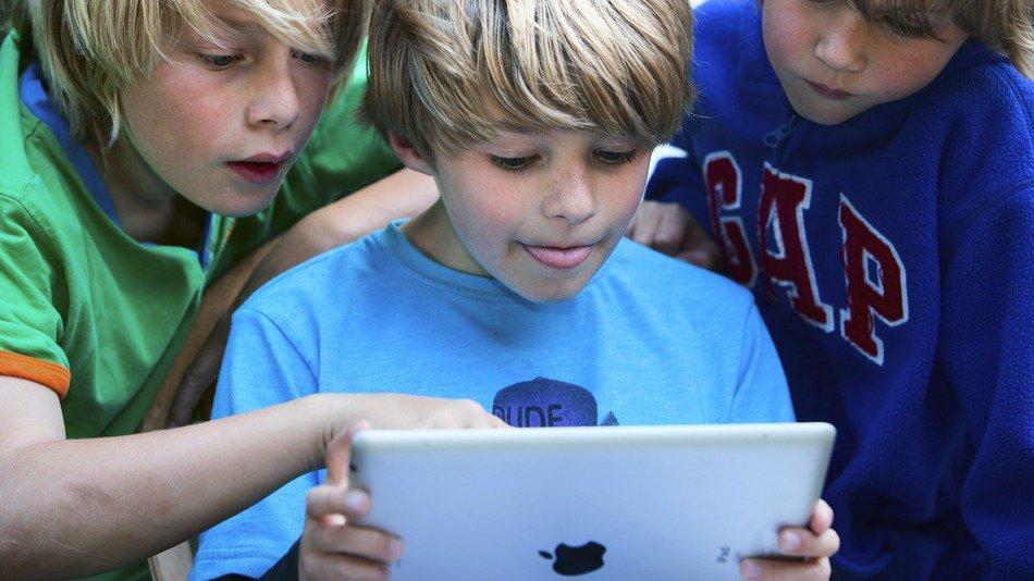 Какой выбрать планшетный компьютер для подростка